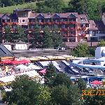  Das Hotel von weitem