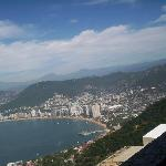  vista panoramica desde la capilla de la paz en acapulco.