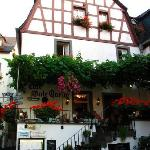 the outside of Hotel Gute Quelle
