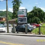 Bales Town and Country Motel resmi