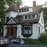 Charming Barclay Heights Bed & Breakfast