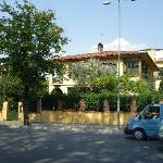 Photo de Tirana Backpacker Hostel