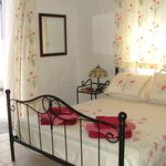 Metamorphis Guest House Bed & Breakfast