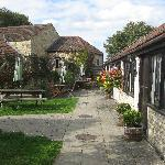 Church Farm Country Cottages resmi