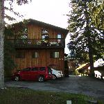 ภาพถ่ายของ Treetops Banff Bed and Breakfast