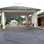 Canopy to the entrance of the hotel