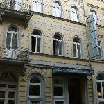  Front Entrance of Hotel Rothenburger Hof Hotel