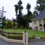 Holly Grove Bed & Breakfast