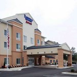 Fairfield Inn &amp; Suites