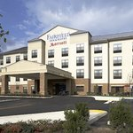 Fairfield Inn &amp; Suites Cumberland