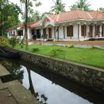 inside canal in coconut creek kumarakom bed and breakfast