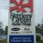 Settlers' Green Outlet Village