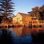 Birks Harbour - Boathouse & Birks River Retreat