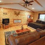 Lake Forest Luxury Log Cabinsの写真