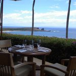 Best view on Lanai: Pu'u Pehe, Maui (left horizon) and Kahoolawe (right horizon)