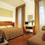 Photo of Hotel Madrid Rome