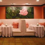 Hibiscus Booths Dining