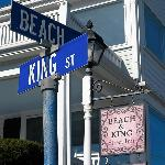 Beach & King Street Inn resmi