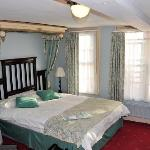  The Jade Room with the canopy bed