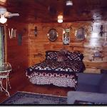  Brownwood Bed and Breakfast and Cabins - Cabin Interior