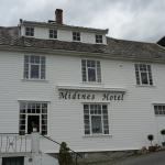 Photo of Midtnes Hotel