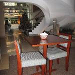 breakfast area at level 1