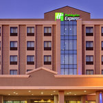‪Holiday Inn Express Los Angeles-LAX Airport‬