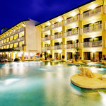 ‪Thara Patong Beach Resort & Spa‬