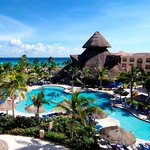 ‪Sandos Playacar Beach Resort & Spa‬