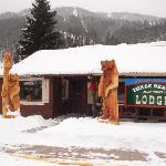 "3 Bears Lodge  ""Just right"""