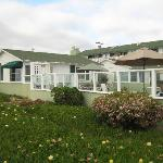 Photo de The Beach Cottages