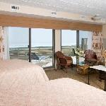 Oceanfront Efficiency Rooms with Large Sunning Decks