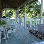 Foto de Whispering Falls Bed & Breakfast