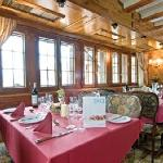 Ski Total Chalet Hotel Dining Room