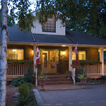 Little Lake Inn Bed & Breakfast