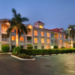 Doubletree Guest Suites Naples