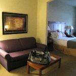 Photo de Holiday Inn Express Hotel & Suites Ada
