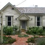 Charlotte's Cottage B&B, Echuca