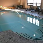 Indoor Pool - Days Inn BGR
