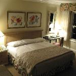  Nicely Furnished Rooms