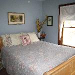 Rose Arbour B&B, Chester, VT Our Queen room with shared bath