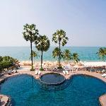 Aisawan Resort & Spa Pattaya