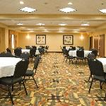  1400 Square Foot Meeting Room