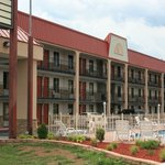Pigeon Forge Inn &amp; Suites