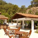 Sultan Palas Hotel - Poolside Bar and Garden Restaurant
