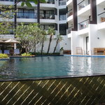 Woodlands Suites Hotel resmi