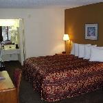 Foto Days Inn Columbus - North Fort Benning - Airport