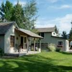 ‪Yellowstone River Inn Cabins‬