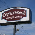 Country Hearth Inn and Suites resmi