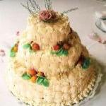 marizipan decorated wdding cake